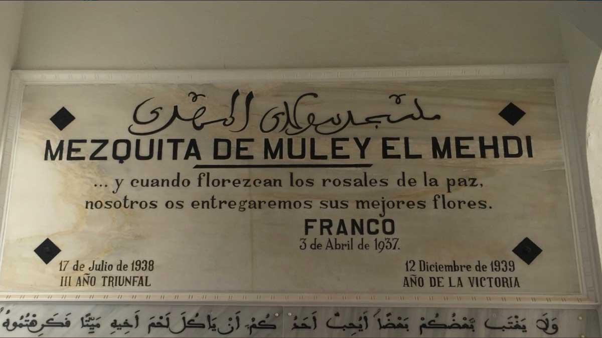 Placa de Franco en la Mezquita de Muley el Mehdi