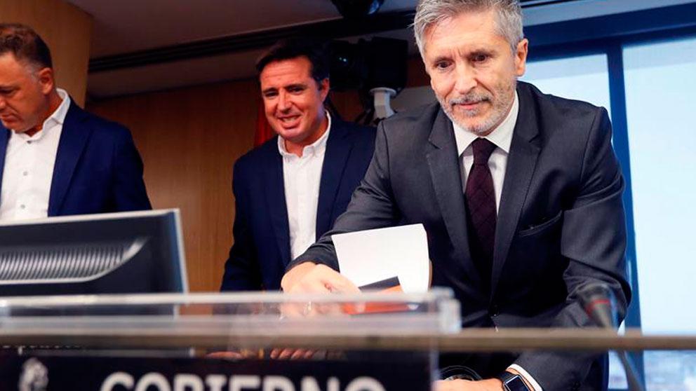 El ministro del Interior, Fernando Grande-Marlaska, durante su comparecencia hoy en la Comisión de Interior extraordinaria  celebrada en le Congreso de los Diputados. Foto: EFE