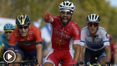 Bouhanni celebra su primer triunfo en la presente Vuelta a España. (AFP)