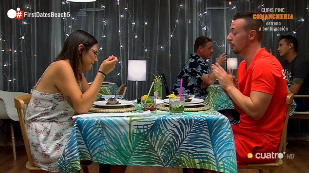 Cristina confiesa que le gustan las relaciones abiertas en 'First Dates'