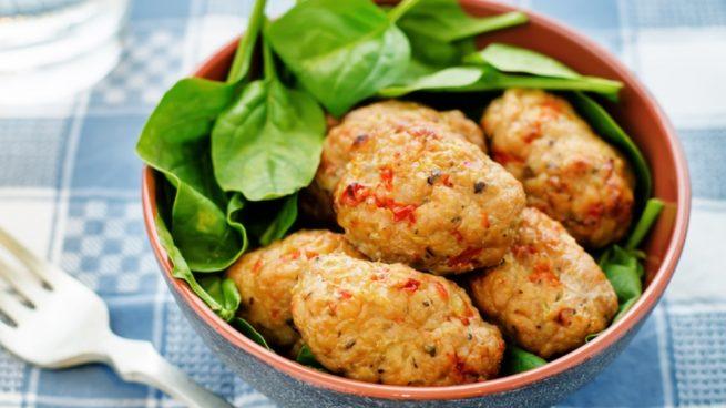 Receta de alb ndigas de br coli y quinoa una tapa saludable for Cocinar quinoa hinchada