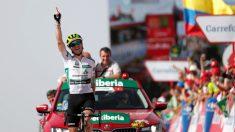Ben King celebra su victoria en La Covatilla. (EFE)