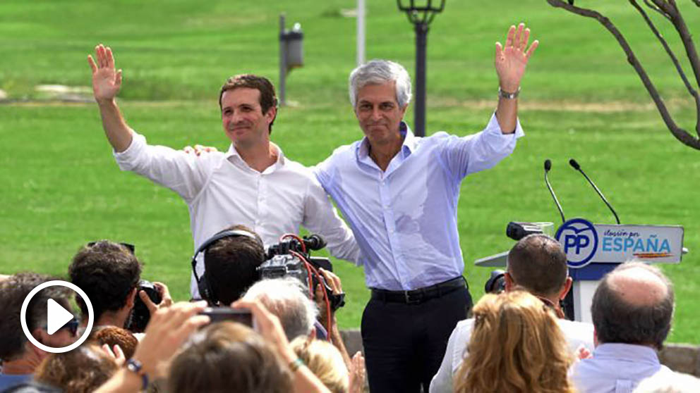 Casado y Suárez Illana en el acto de este domingo en Áviila (Foto: EFE).