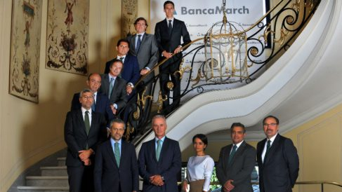 José Manuel Arcenegui, Director General de Banca Corporativa de Banca March (segundo por la derecha), con los miembros de su equipo.