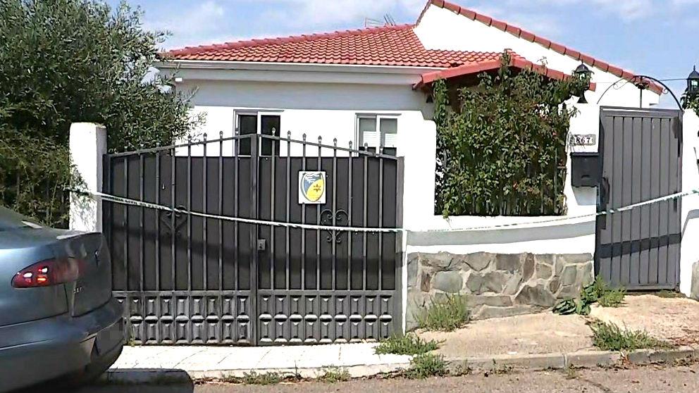 Fachada de la vivienda en la que fue detenida la joven (Foto: EFE).