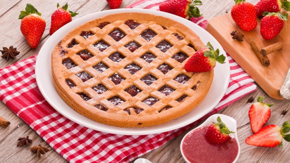 Receta de tarta de mermelada de fresa, un postre espectacular con 3 ingredientes
