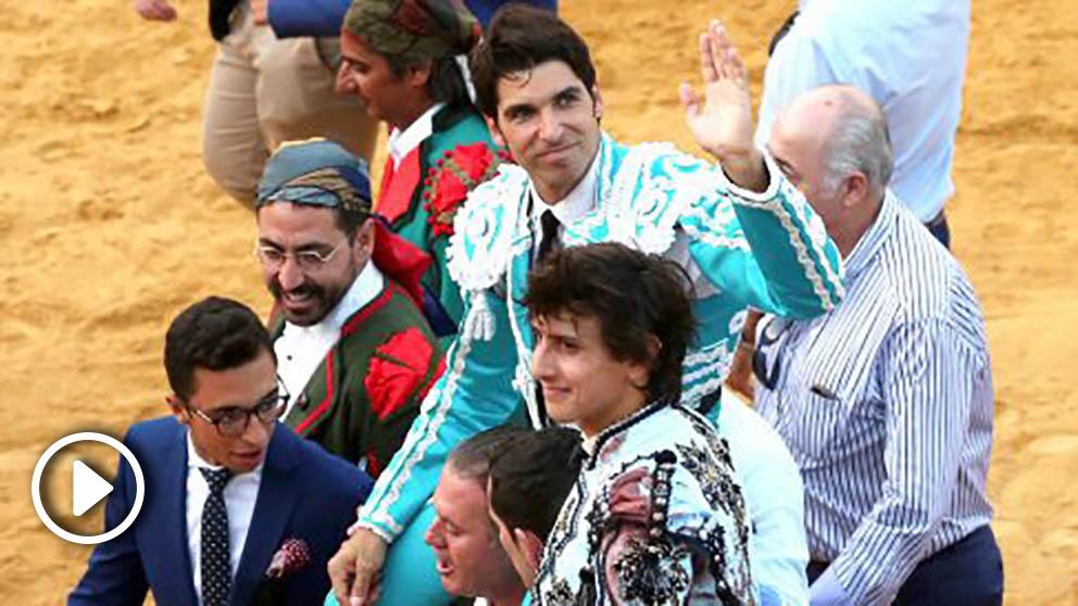 Cayetano y Roca Rey salen a hombros este sábado en Ronda (Foto: EFE).
