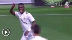 Vinicius celebra uno de sus dos goles al Atlético. (vídeo: Real Madrid TV)