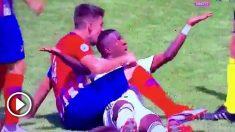 Tachi muerde en la cabeza a Vinicius. (Real Madrid TV)