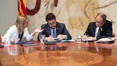 Elsa Artadi, Pere Aragonès y Quim Torra. (Foto: EFE)