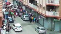 La protesta contra una familia conflictiva de La Llagosta deriva en una batalla campal