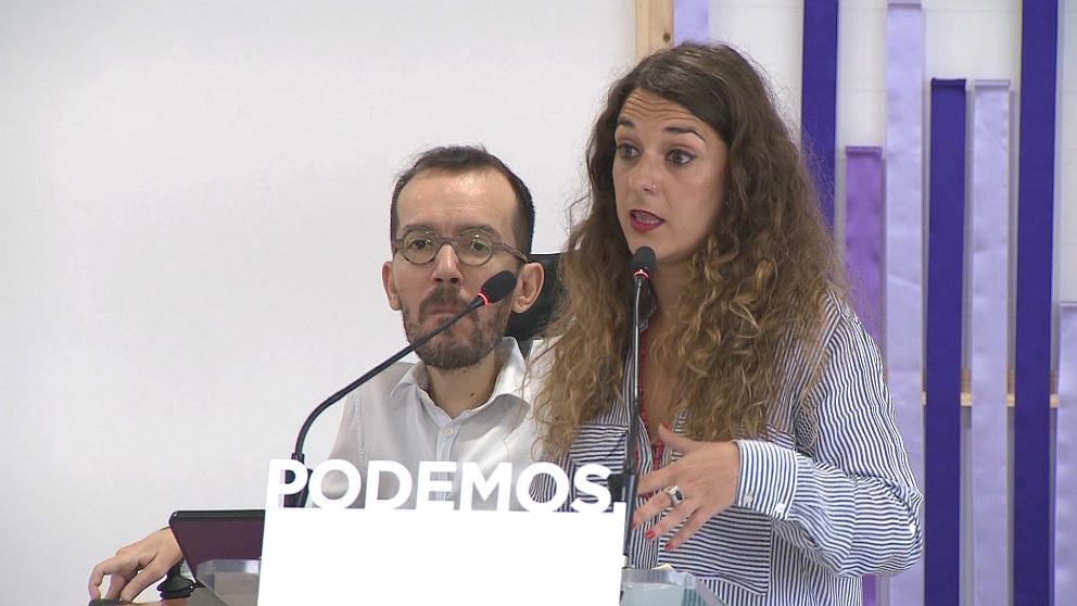 Pablo Echenique, secretario de Organización, y Noelia Vera, portavoz de Podemos. (EP)