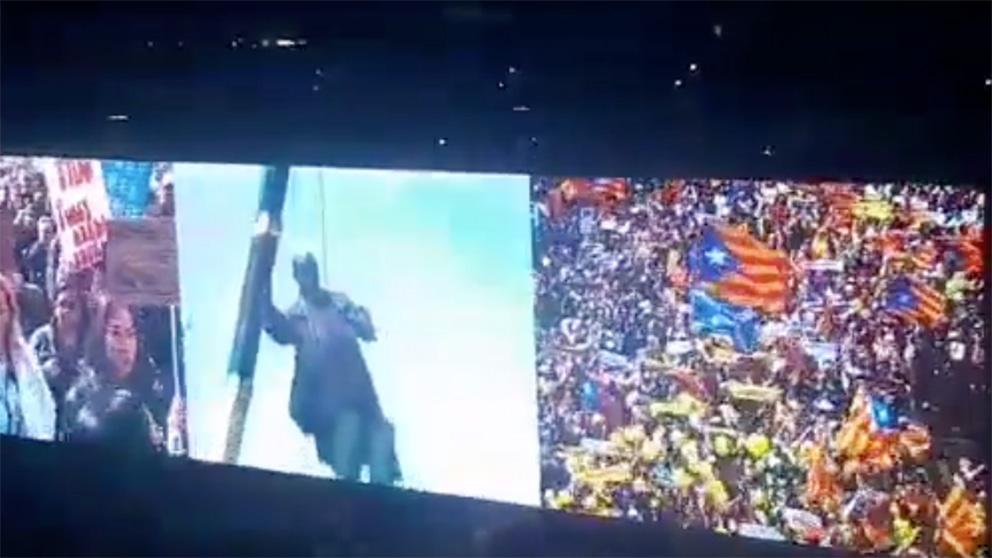 Vídeo de apertura del concierto de U2 en el que se ve una manifestación separatista en Cataluña.
