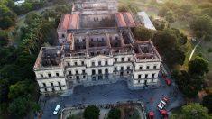 El Museo Nacional de Brasil, pasto de las llamas. (Foto: AFP)