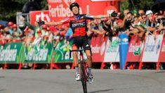 De Marchi celebra su triunfo en la Vuelta a España. (EFE)