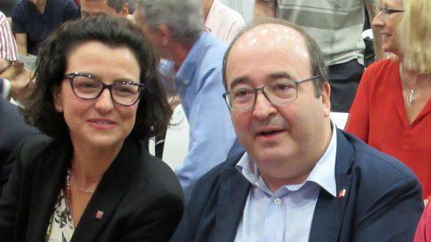 La portavoz del PSC, Eva Granados, y su líder, Miquel Iceta. (EP)