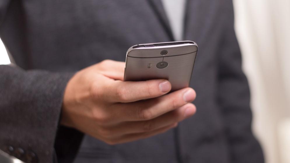 Si necesitas formatear tu teléfono Samsung, puedes hacerlo con diferentes métodos