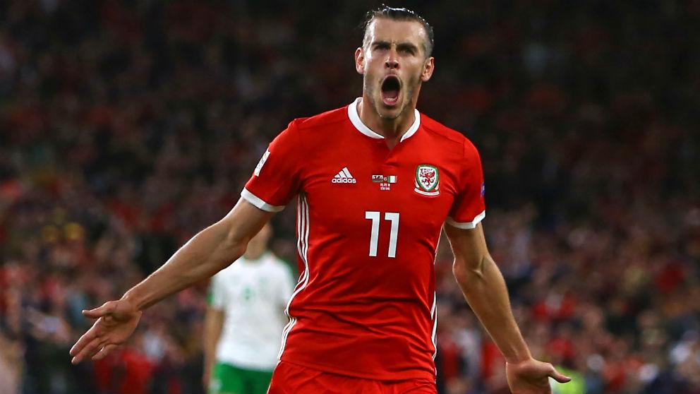 Bale celebra un gol con Gales.
