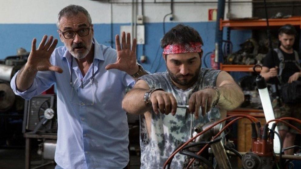 El director de 'Campeones' durante el rodaje de la película.