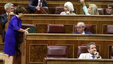 La exvicepresidenta del Gobierno Soraya Sáenz de Santamaría en su nuevo escaño en el Congreso. (Foto: Efe).