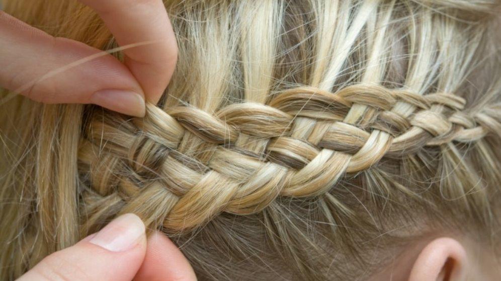La trenza de cuatro cabos es ideal para hacer diversos peinados