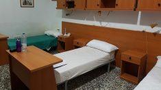 Una de las habitaciones donde se alojarán los agentes de la Policía Nacional destinados en CAtaluña por la Diada. Foto: Europa Press