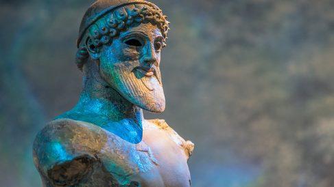 El mito de Sísifo, donde los dioses griegos están presentes.