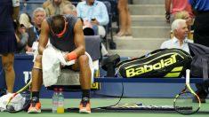 Nadal se lamenta con molestias en la rodilla. (AFP)