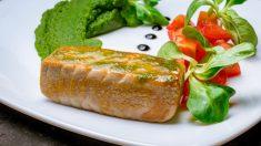 Receta de Atún con salsa de pimientos verdes fácil de preparar
