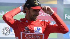 Jesús Herrada sigue un día más como líder de La Vuelta. (AFP)