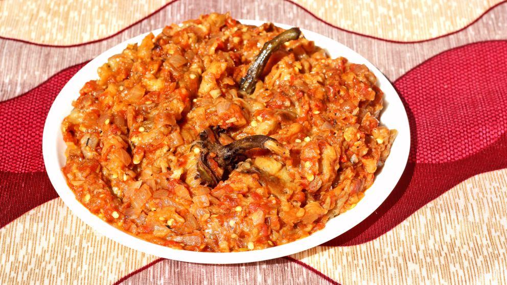 Receta de Baingan bharta (berenjena curry) típico de la India