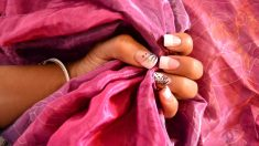 Las uñas decoradas con flores quedan espectaculares