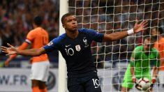 Kylian Mbappé celebra su gol en el Francia – Holanda. (AFP)