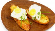 Receta de huevos de codorniz a la plancha con jamón serrano