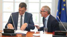 El presidente del Gobierno, Pedro Sánchez, y el ministro de Cultura y Deporte, José Guirao. (Foto: Moncloa)