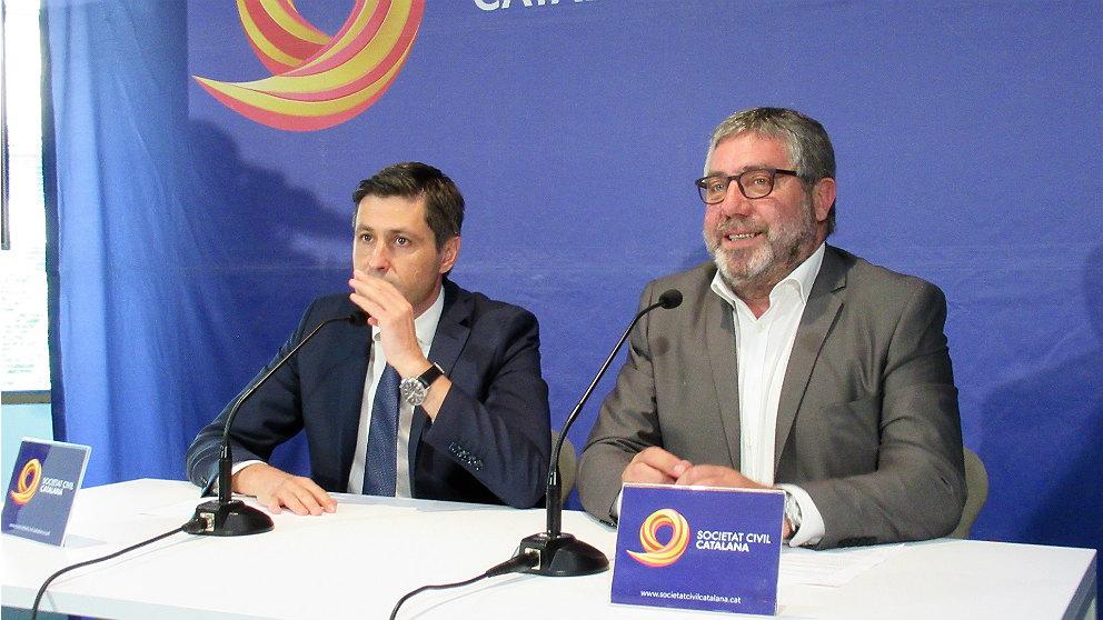 José Rosiñol (izqda.), presidente de Societat Civil Catalana. (EP)