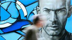 Un graffiti de Zidane en las calles de París. (Getty)