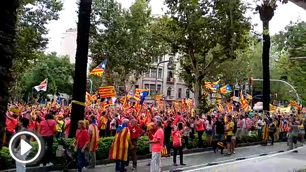 Manifestantes durante la Diada