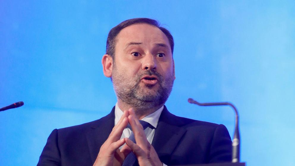 José Luis Ábalos, ministro de Fomento y secretario de Organización del PSOE. (Foto: EFE)