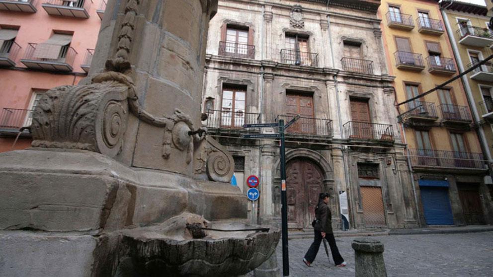 Palacio del Marqué de Rozalejo en la plaza de Navarrería en Pamplona.