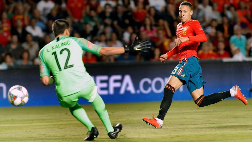 Rodrigo define ante la salida de Kalinic. (EFE)