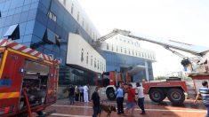 Ataque a la sede de la compañía petrolífera estatal libia en Trípoli (Foto: AFP)