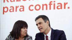 Cristina Narbona, presidenta del PSOE, y Pedro Sánchez, secretario general. (EFE)