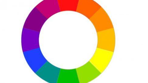 La cromoterapia se basa en utilizar la luz y sus diferentes colores para aliviar diversos síntomas de las personas.