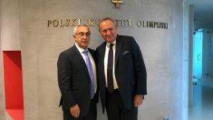 Alejandro Blanco, presidente del COE, posa junto a su homólogo polaco.