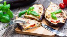 Receta de Berenjenas rellenas de queso fácil de preparar