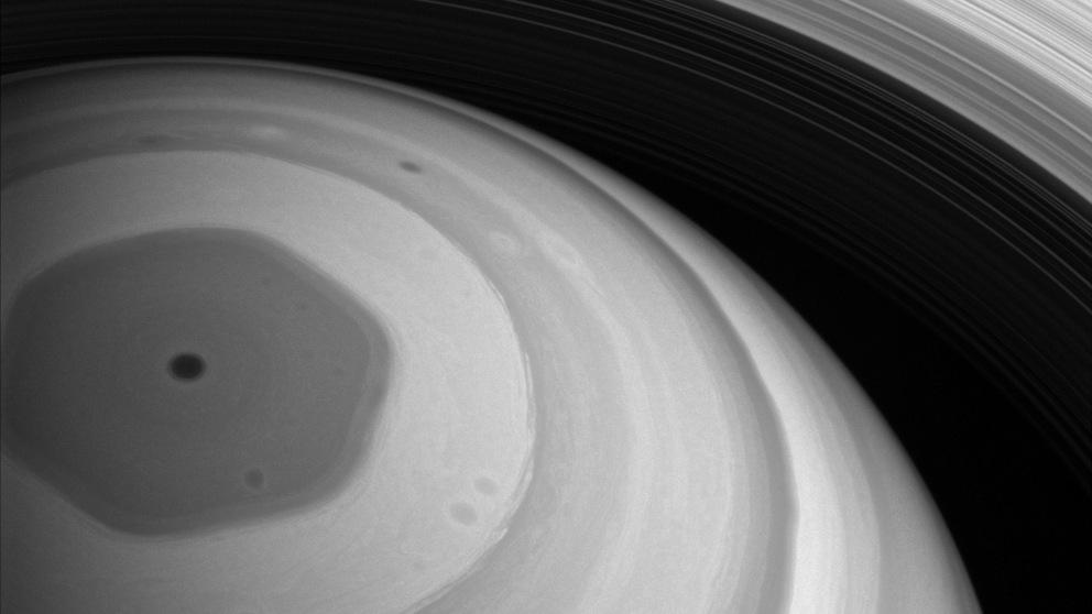 Los hexágonos de la estratosfera de Saturno