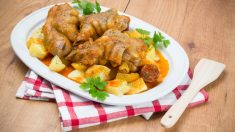 Receta de manitas de cerdo en salsa de la abuela