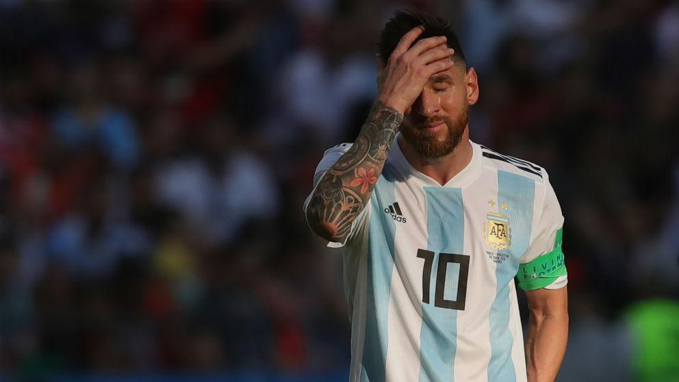 Leo Messi se lamenta después de quedar eliminado del Mundial. (Getty)