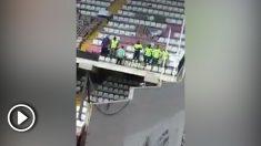 Seis trabajadores comprueban la resistencia del Estadio de Vallecas…¡saltando!